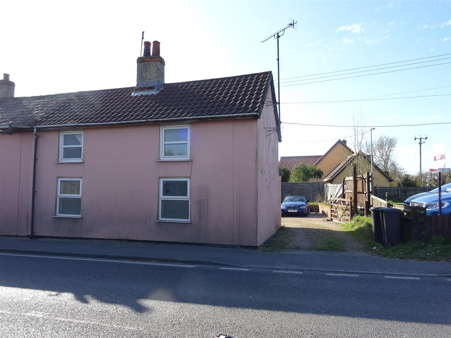 Pains Hill, Little Stonham, Stowmarket, IP14 5JH